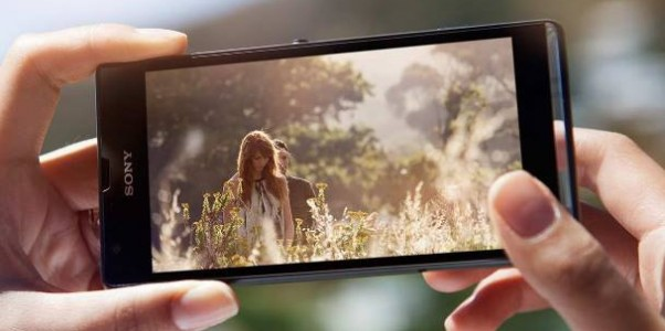 Xperia SP nouveau smartphone de Sony moyen de gamme