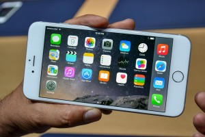 apple-iphone-6-hands-on-3-1500x1000